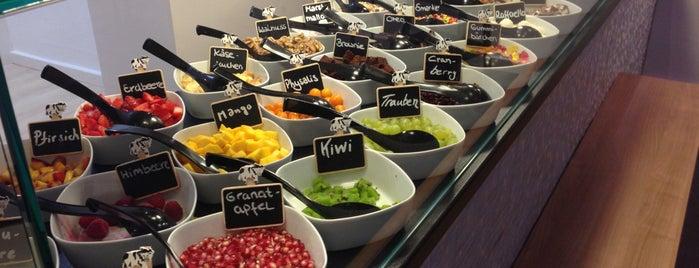 Shiyogu is one of Düsseldorf Best: Coffee & desserts.
