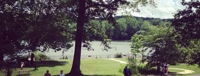 Riverbend Park is one of Get me outdoors!.