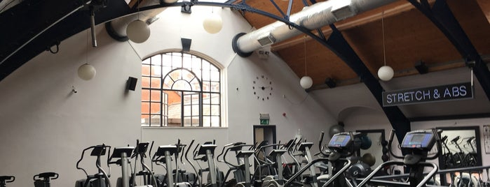 Iveagh Fitness Club is one of Lugares favoritos de Iara.