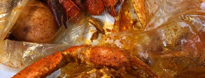 The Crawling Crab is one of Locais curtidos por Cecilia.