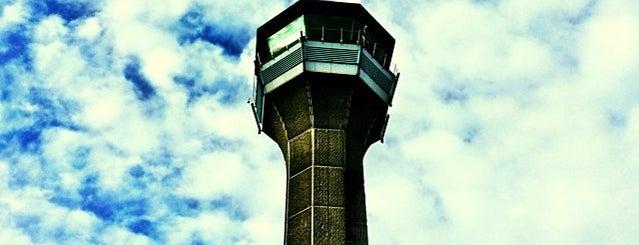 ロンドン ルートン空港 (LTN) is one of Airports.