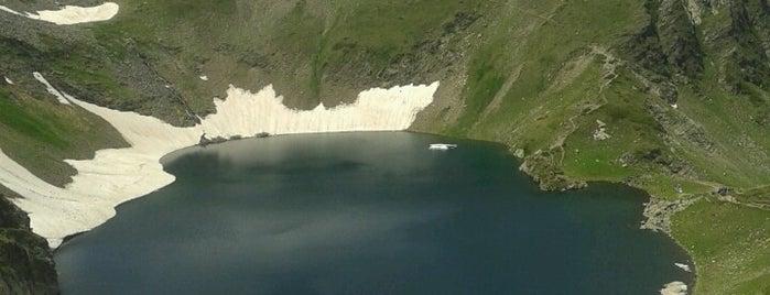 Окото (The Eye lake) is one of สถานที่ที่ Jana ถูกใจ.