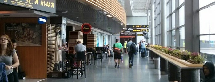 Riga International Airport / Starptautiskā lidosta Rīga (RIX) is one of Places I have been.