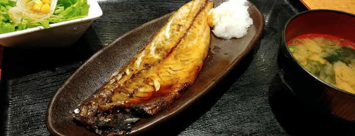 魚然 小川町駅前店 is one of Lieux qui ont plu à Mzn.