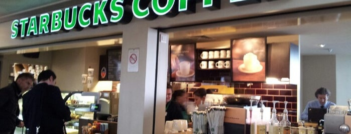 Starbucks is one of Lieux qui ont plu à Fernando.