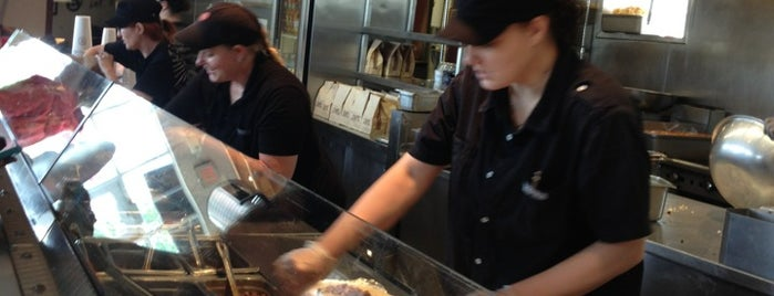 Chipotle Mexican Grill is one of Lyndsay 님이 좋아한 장소.