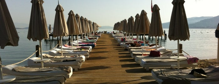 Torba Voyage Beach Sneak is one of Locais salvos de Şule.