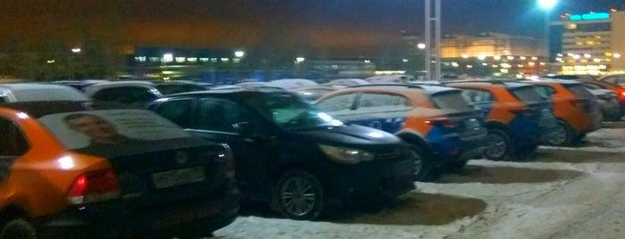 Суточная парковка / Long term parking is one of สถานที่ที่ Алексей ถูกใจ.