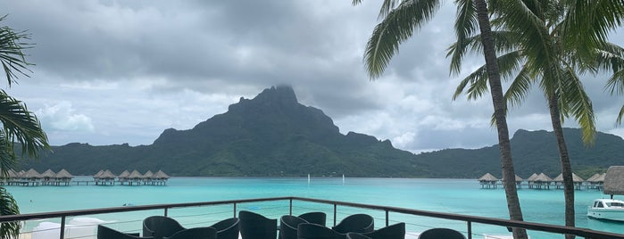 Le Méridien Bora Bora is one of Lugares guardados de Beatriz.