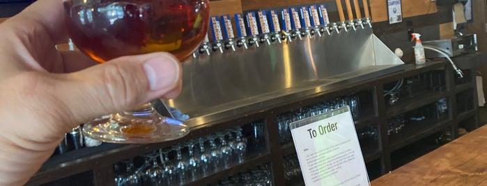 Center Ice Brewery is one of Tempat yang Disukai Josh.