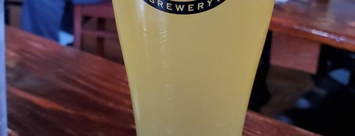 Sterling Pig Brewery is one of Lugares favoritos de Joe.