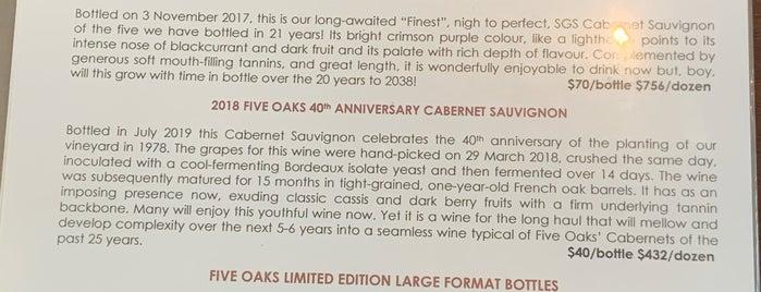 Five Oaks Vineyard is one of Mike'nin Beğendiği Mekanlar.