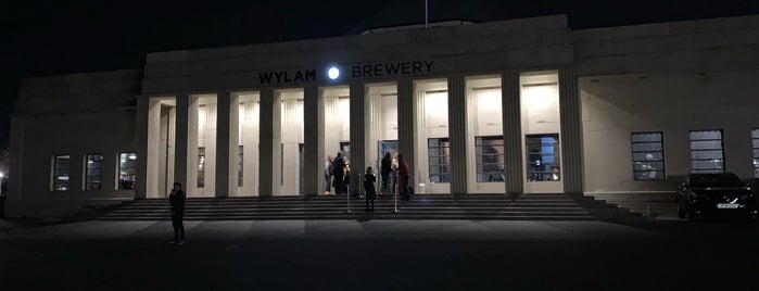 Wylam Brewery is one of Lugares favoritos de Mike.