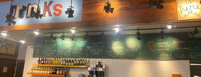 Avalon Cafe and Bakery is one of Locais curtidos por Andrea.