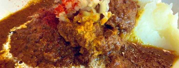 Land Curry & Coffee is one of TOKYO-TOYO-CURRY 4.