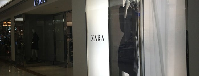 Zara is one of Locais curtidos por Adriane.