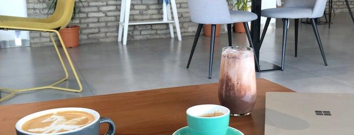 Ekleel Cafe is one of Orte, die Emmy gefallen.