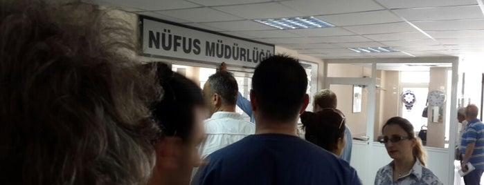 Karşıyaka Nüfus Müdürlüğü is one of สถานที่ที่ Kazım ถูกใจ.
