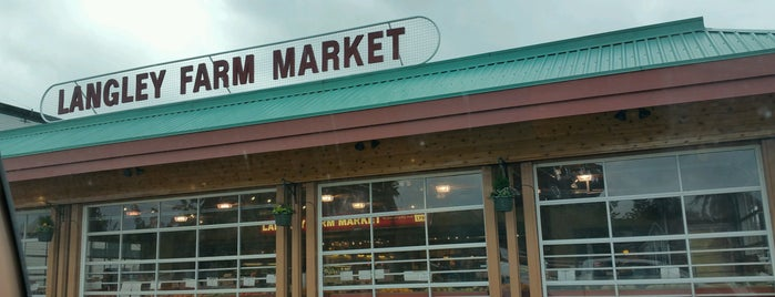 Langley Farm Market is one of Lola's Liked Places.