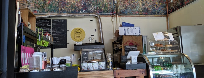 Folklores Coffee Roastery & Cafe is one of Tempat yang Disukai Wally.