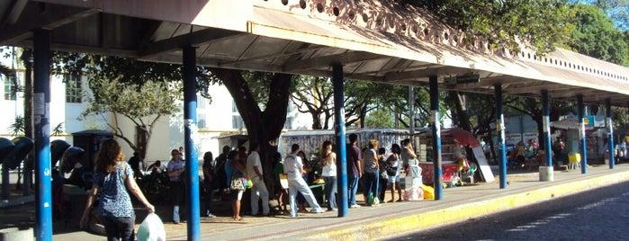 Praça Coração de Jesus is one of Locais.