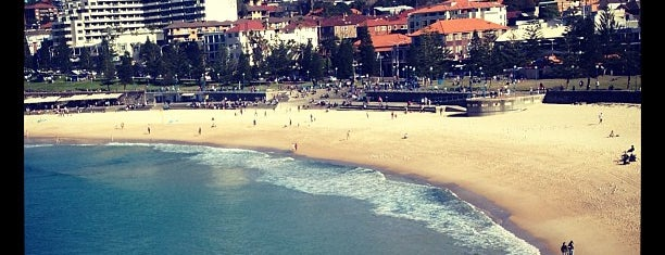 Coogee Beach is one of Tempat yang Disukai Dustin.
