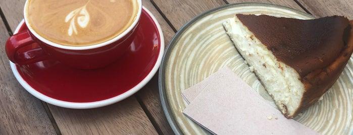 Cozy Coffee House is one of Lugares favoritos de barış.