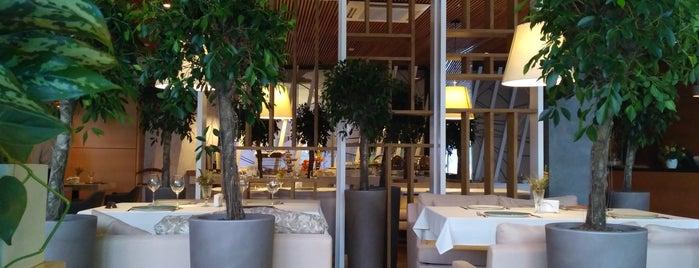 Else Cafe is one of Lieux qui ont plu à Annette.