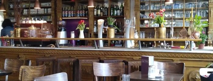Café Flocke is one of Lieux qui ont plu à Annette.
