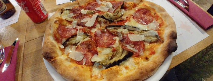 Tutti Colori. Pizza i wino is one of สถานที่ที่ Jan ถูกใจ.