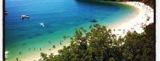 Praia de Galápos is one of Lieux qui ont plu à João.