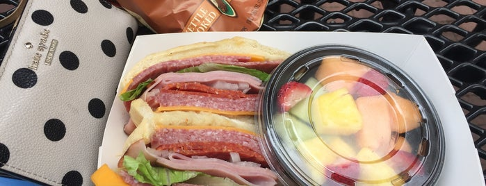 Rising Roll Sandwich Company is one of Favorite Food.