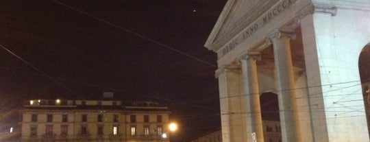 Piazza XXIV Maggio is one of Top 100 Check-In Venues Italia.