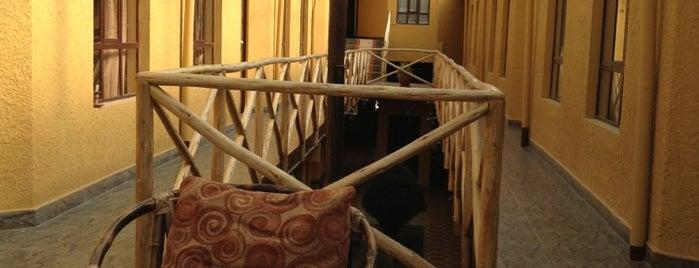 Hotel Los Girasoles is one of สถานที่ที่ Miguel ถูกใจ.