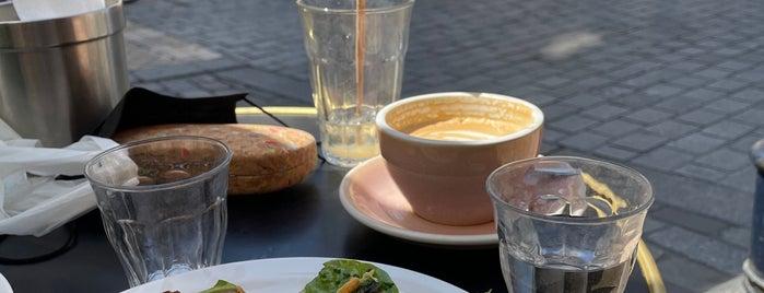 Café Kokomo is one of Bordeaux 2019.