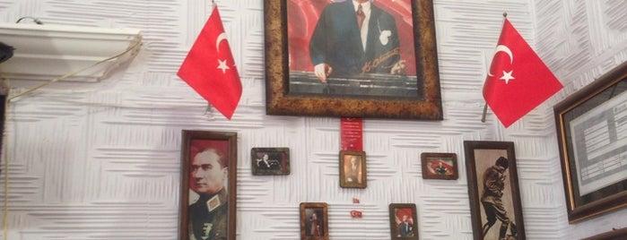 Kuaför Burak is one of Lieux qui ont plu à Emir.