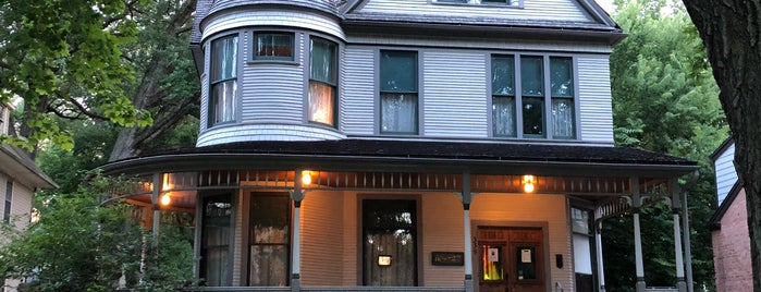 Birthplace Home of Ernest Hemingway is one of Chicago Part II.