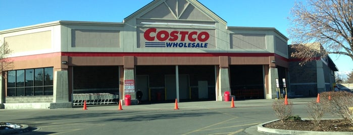 Costco is one of Locais curtidos por John.