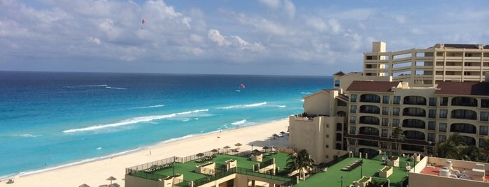 Emporio Family Suites Cancun is one of Locais curtidos por Keaten.