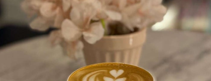 Sentio Cafe is one of Riyadh Cafes.