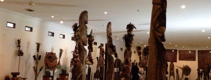 Museum Pasifika is one of สถานที่ที่ Karla ถูกใจ.