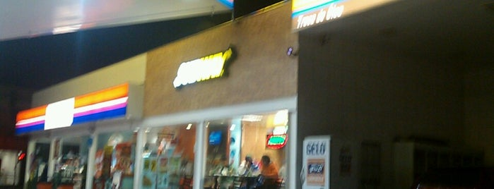 Subway is one of Lugares guardados de AleXXXandre.