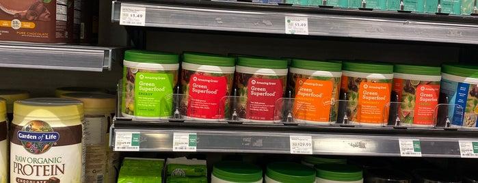 Whole Foods Market is one of Lugares favoritos de Arsalan.