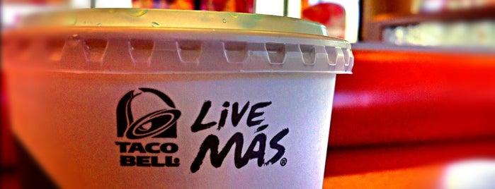 Taco Bell is one of Dominic'in Beğendiği Mekanlar.