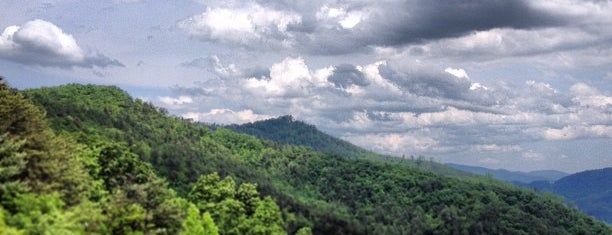 Great Smoky Mountains is one of Locais curtidos por Colin.