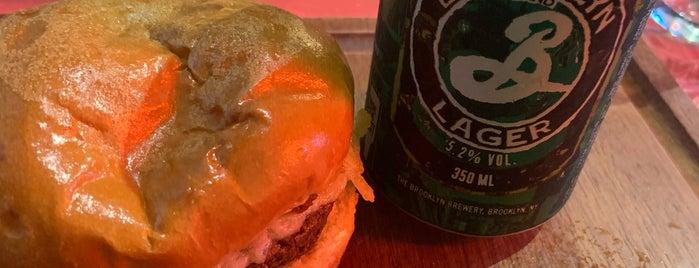 The Bear Burger is one of Perto de casa.