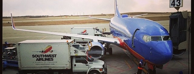 Kansas City International Airport (MCI) is one of สนามบินนานาชาติ (1).