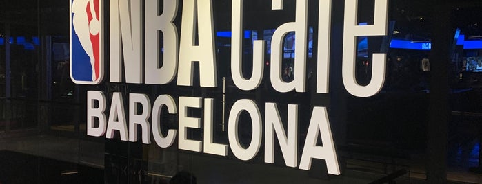 NBA Cafe Barcelona is one of Locais curtidos por Volker.