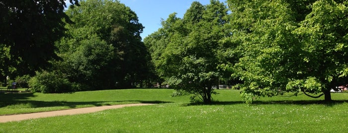 Park Alte Sternwarte is one of Neuss parklar.