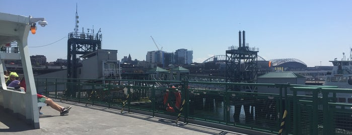 Seattle Ferry Terminal is one of Orte, die Drew gefallen.